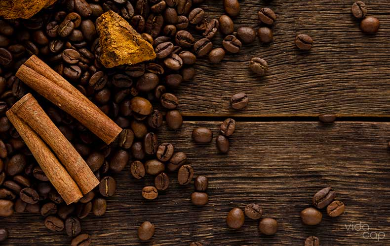 article-image-how-to-make-a-chaga-latte